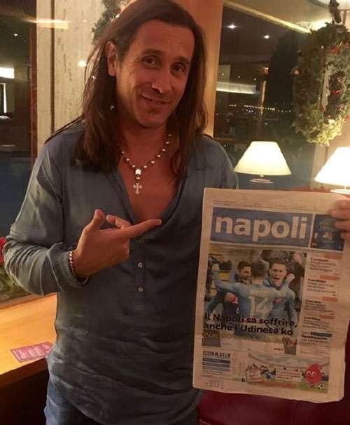 """Povia: """"Porto Napoli nel cuore"""""""