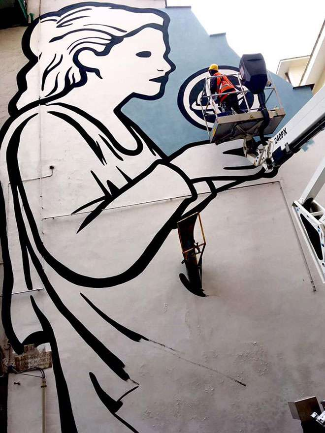 Street Art ai Quartieri Spagnoli, arriva la scienziata Ipazia