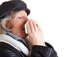 rinite, allergia, primavera, raffreddore da fieno, occhi rossi, naso che cola, starnuti, specialista, curare, cura