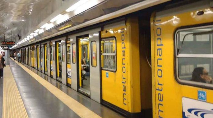 senso civico, metropolitana di napoli, anziani e disabili, ascensori
