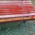 Vomero, a piazza Immacolata una panchina rossa per Arianna Flagiello, vittima di femminicidio