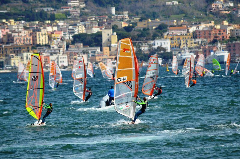 Giorgia Speciale e Nicolò Renna i vincitori della Coppa Italia di Windsurf a Pozzuoli