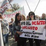 Debito Napoli: manifestazione e contromanifestazione