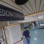 Tensione al Cardarelli: parenti di paziente forzano blocco al pronto soccorso