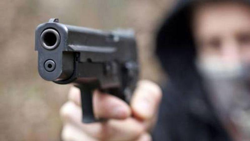 Boscoreale, tentano una rapina, il titolare reagisce e gli sparano: arrestato 23 enne