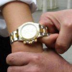 Napoli, turista inglese scippata del Rolex