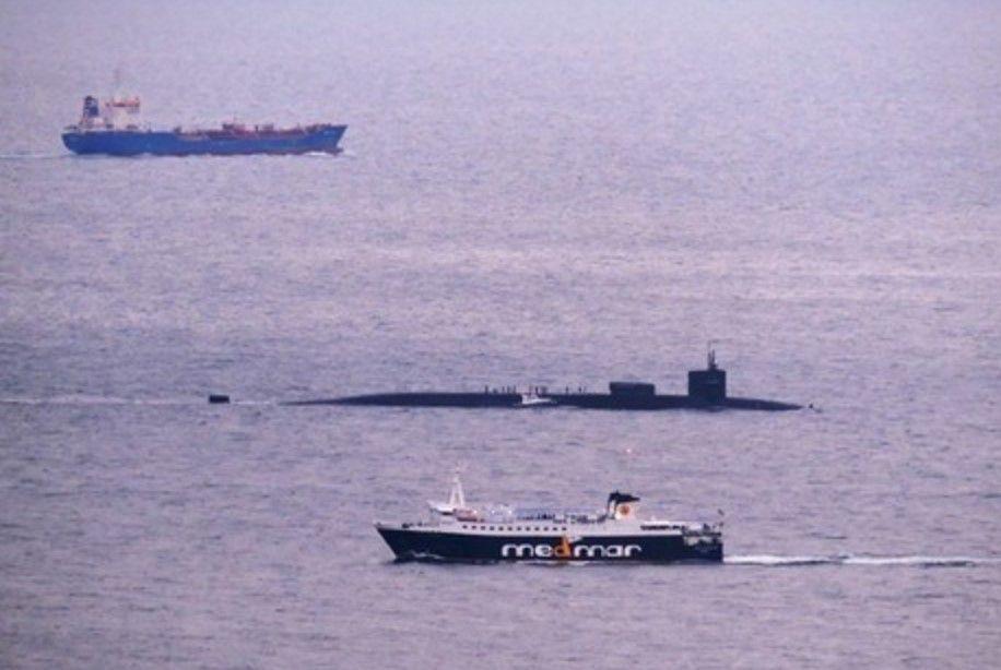 Napoli, sottomarino USA nel porto