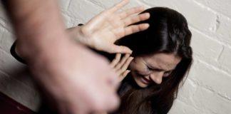procida, picchia la compagna, violenza sulle donne