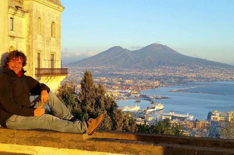 Alberto Angela cittadino onorario: «Napoli ti avvolge e, se la sai leggere negli occhi, ti accoglie e protegge»