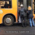Napoli, bus salta la fermata e non fa salire i passeggeri (video)