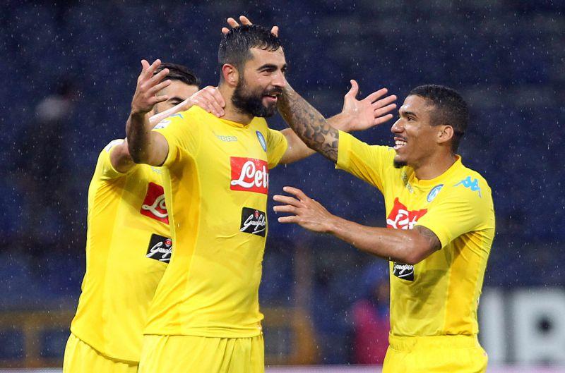 Serie A, il Napoli si ritrova e sbanca Genova