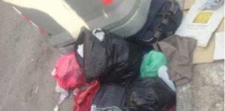 rifiuti abbandonati, via carlo de marco, napoli