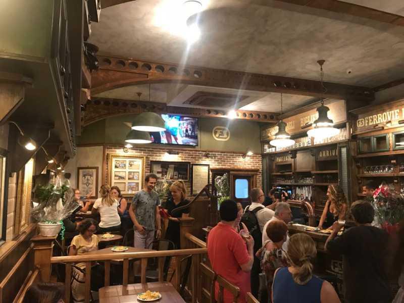 """Vomero, riapre lo storico pub """"Napoli centrale"""""""