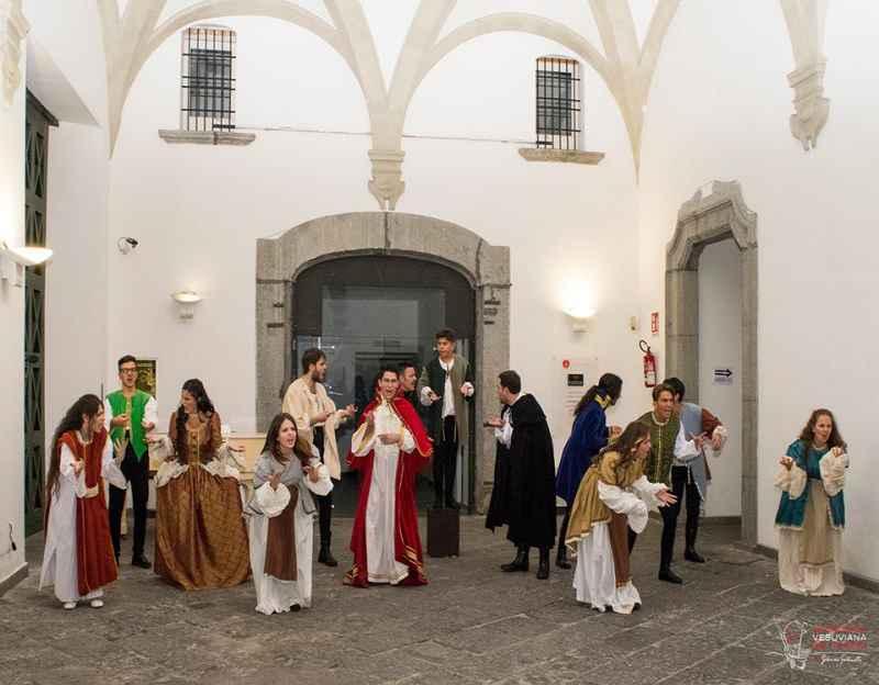 """""""Da Napoli a …NAPOLI"""", al Tin la performance artistica tratta dai libri di Marco Perillo"""
