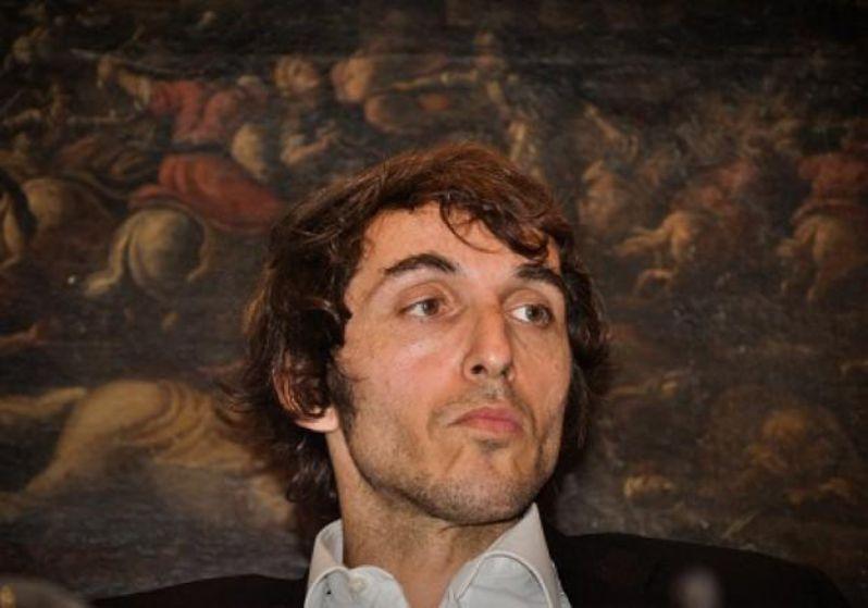 """foto di Giuseppe Cruciani, conduttore de la Zanzara, che ha definito i napoletani """"piagnina"""""""