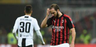 Gonzalo Higuain dopo il rigore sbagliato durante il match Milan-Juventsus