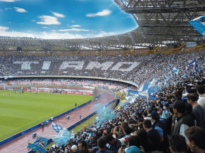 la tifoseria del Napoli, prima tra le italiane nella classifica del quotidiano Marca