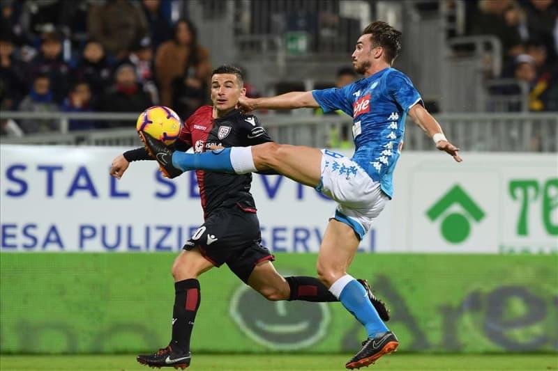 Napoli come un pugile, fabian Ruiz durante il match contro il Cagliari