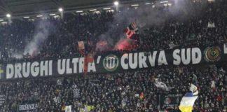 razzismo, guerriglia a Torino prima del derby conn la juve, arrestati tifosi juventini