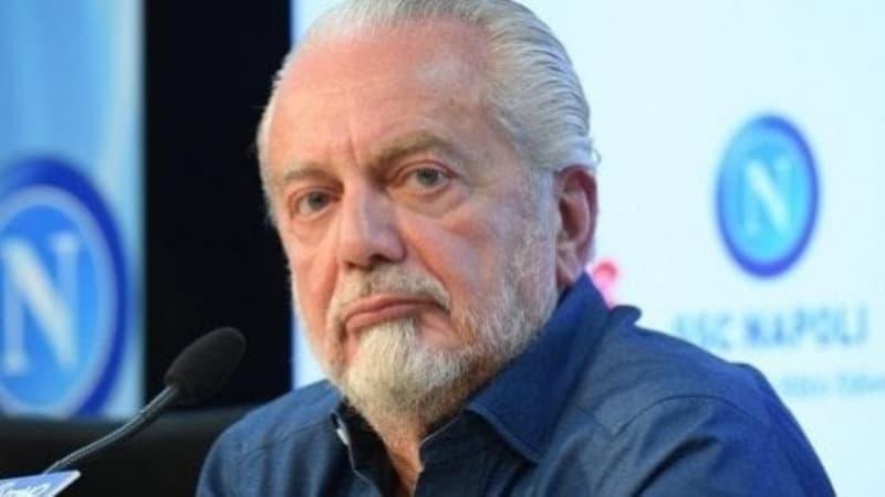 De Laurentiis impone il ritiro forzato del Napoli: disaccordo con Ancelotti