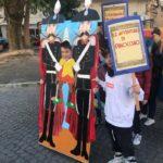 """Carnevale con la scuola: la sfilata degli alunni dell'Istituto """"A. Maiuri"""" per le strade del Vomero"""