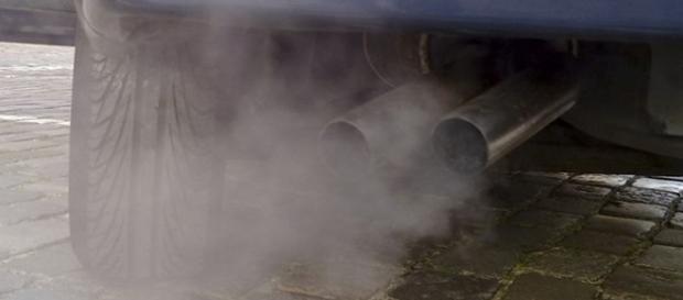 Smog: domani 22febbraio stop auto a Napoli