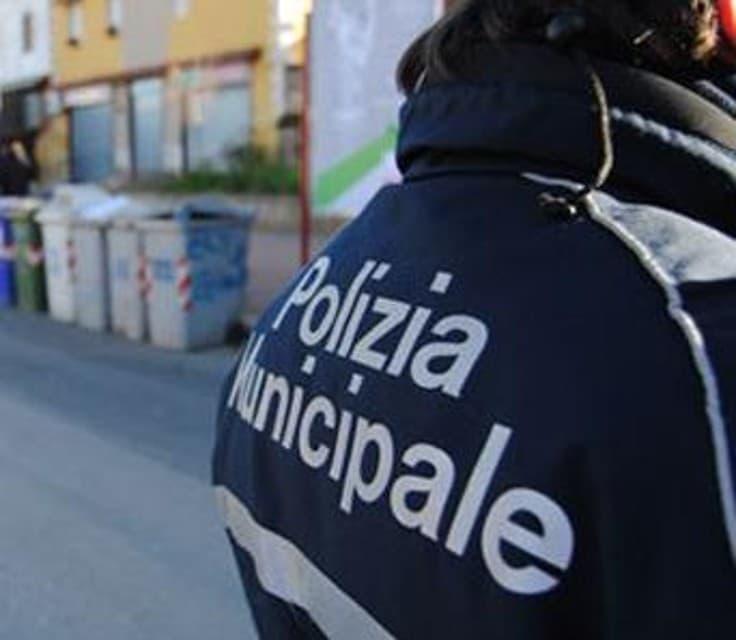 Napoli, agente di Polizia ferita: solidarietà dell'amministrazione
