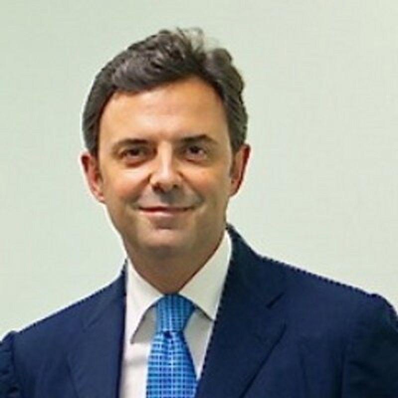 Vincenzo Maurino: campano il miglior oculista del Regno Unito