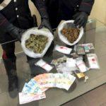 Salvator Rosa, droga e soldi falsi nel giocattolo del figlio: arrestata una coppia