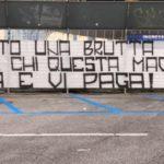 """Curva A, striscione contro i calciatori del Napoli: """" Avete scelto una brutta strada..."""""""
