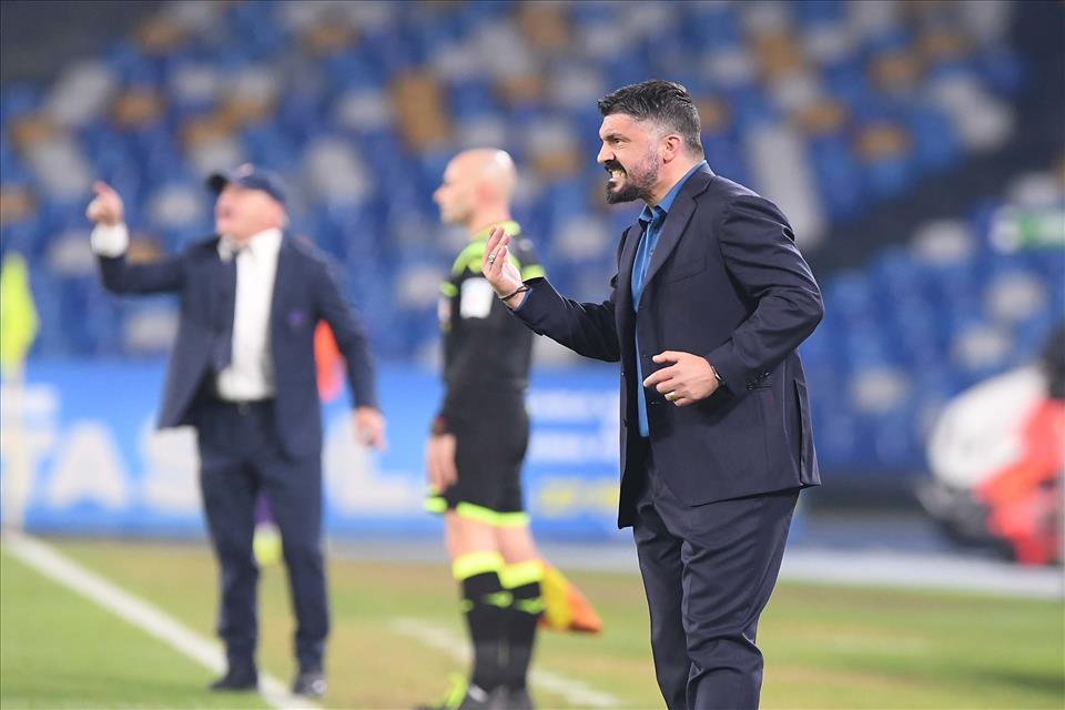 Terza sconfitta consecutiva, Napoli Fiorentina finisce 0-2