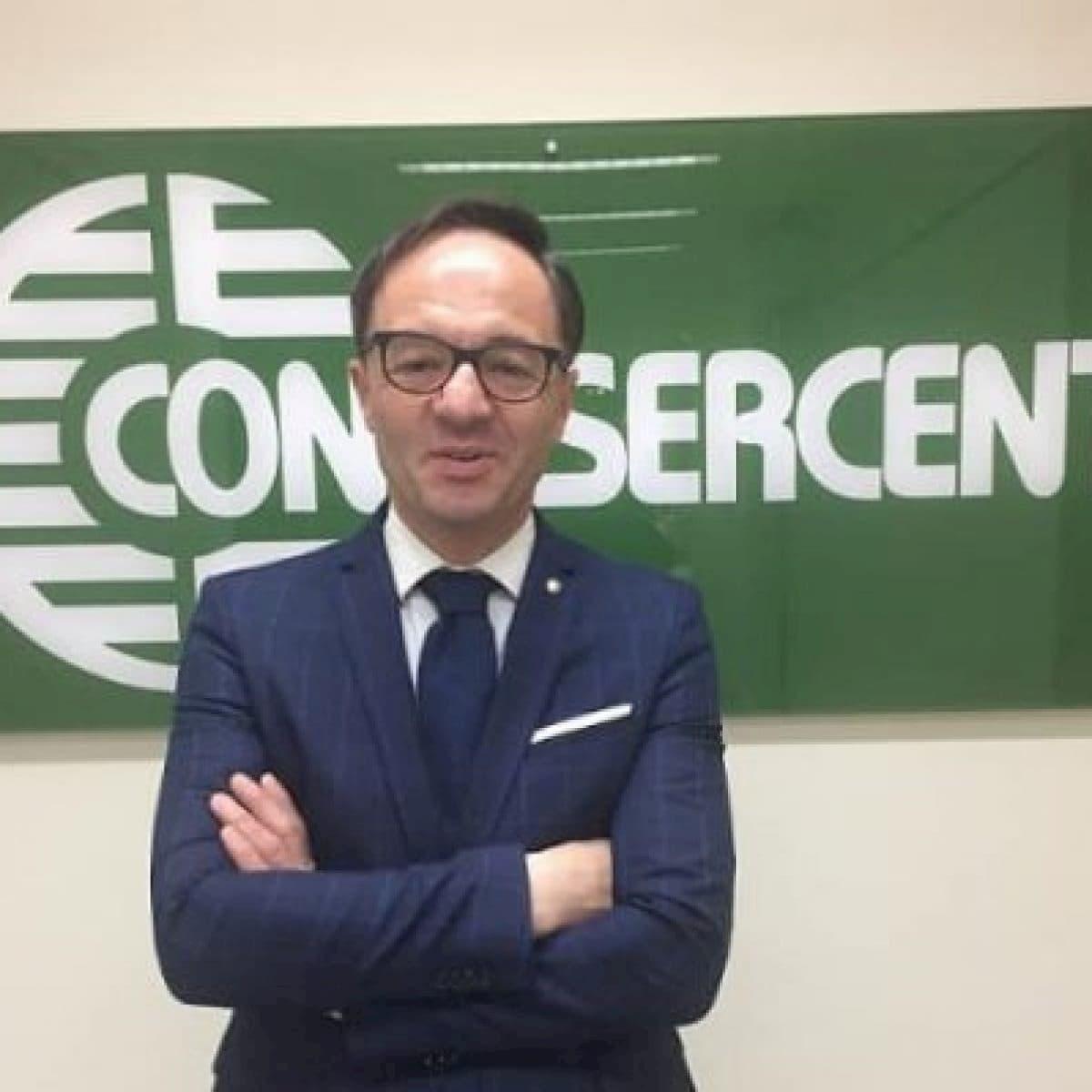Confesercenti-Federnoleggio Campania, l'affiancamento dei bus turistici al trasporto pubblico locale è già un caso