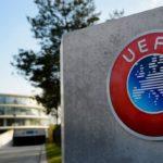 L'Uefa irritata, il Napoli rischia di non giocare la semifinale di Champions con il Barcellona