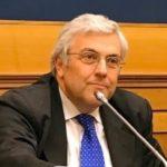 """Tweet Feltri su Napoli e il Colera. Presidente dell'Odg: """"Imbarazzante! Perché non lascia l'ordine?"""""""