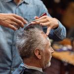 Fanno entrare i clienti di nascosto, barbieri denunciati a Pompei e a Napoli