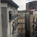 (Video) Napoli sui balconi: dal Vomero al Centro storico il canto per non restare soli