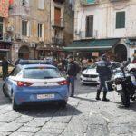 Napoli, movida cittadina, controlli dei carabinieri: 4 sanzionati perché privi di mascherina, 3 arrestati, 8  denunciati