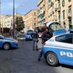 Ruba portafogli e scappa, bloccato dai poliziotti