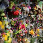 Cina, il ricordo delle vittime e la paura del contagio di ritorno