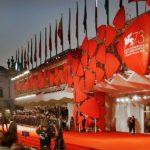 La Biennale di Venezia mette la mascherina e salva il cinema!