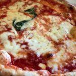Record di pizze a domicilio. E record di sconsiderati a via Caracciolo