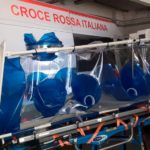Trasporto pazienti Covid: dalla Croce Rossa di Napoli le barelle di biocontenimento per il Cotugno