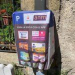 """Napoli, parcometri 'coperti': si paga solo con l'app. Avv. Pisani: """"È violazione della privacy e discriminazione"""""""