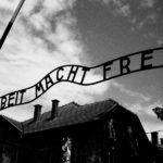 Gaffe del Comune di Napoli su Auschwitz, insorge la Comunità ebraica