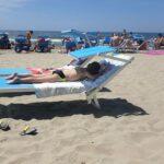 Campania, riaprono i lidi e le spiagge libere: un metro e mezzo la distanza tra i lettini