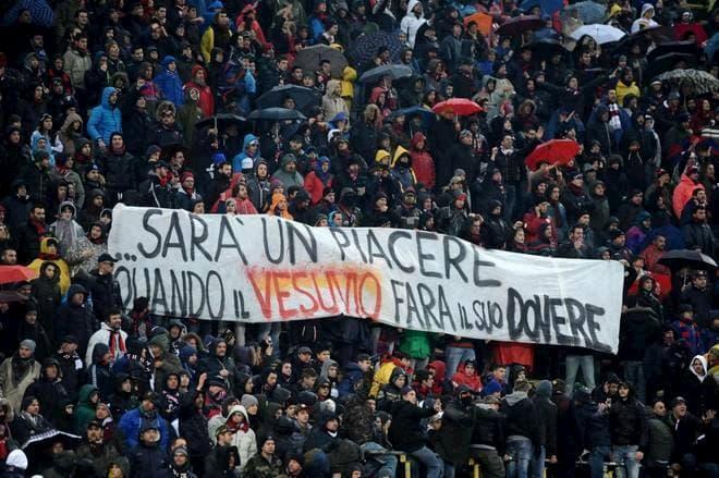 Se il calcio ripartirà, dovrà farlo senza il razzismo del Nord negli stadi