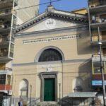 Piazza Cavour, banda del buco in azione: foro da una chiesa per entrare nel supermercato