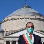 De Magistris deluso, voleva togliersi la fascia tricolore da sindaco