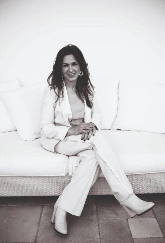 """Paola Raia, candidata con la lista """"De Luca Presidente"""" alle regionali"""