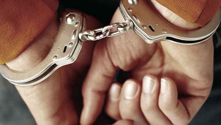 Caivano, con un dispositivo emulava l'abbaiare dei cani e allertava complici e clienti: arrestato pusher 25enne